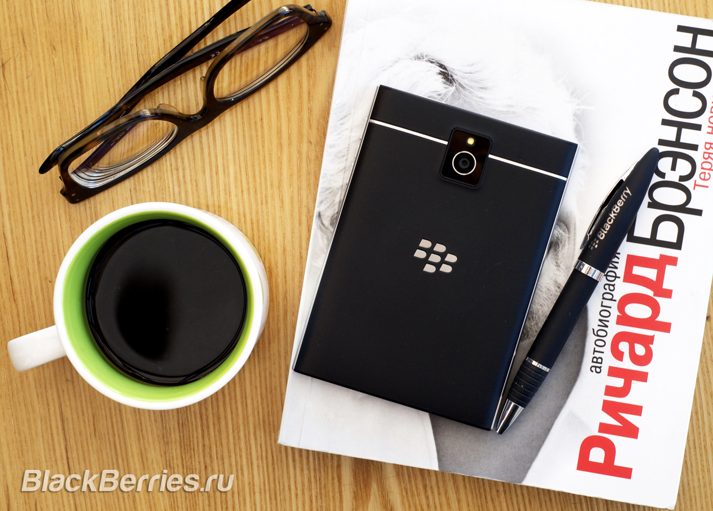 BlackBerry-Passport-3223