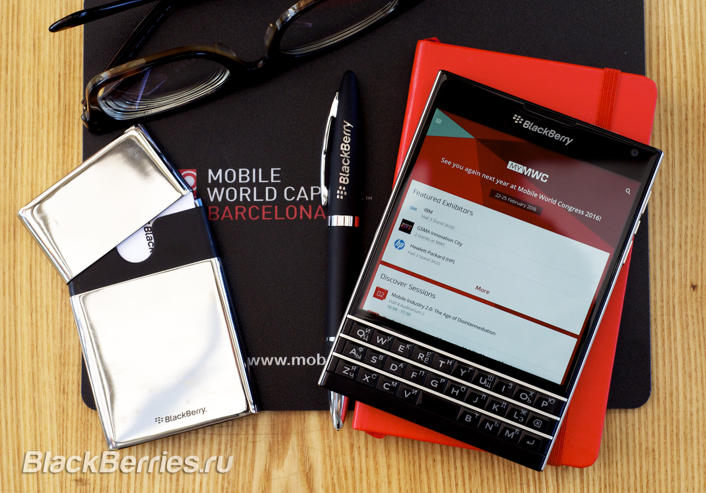 BlackBerry-Passport-MWC-Barselona