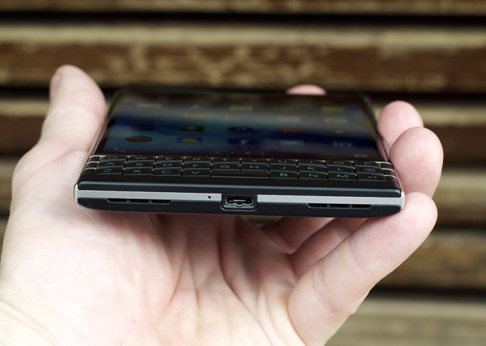 BlackBerry-Passport-Review-32