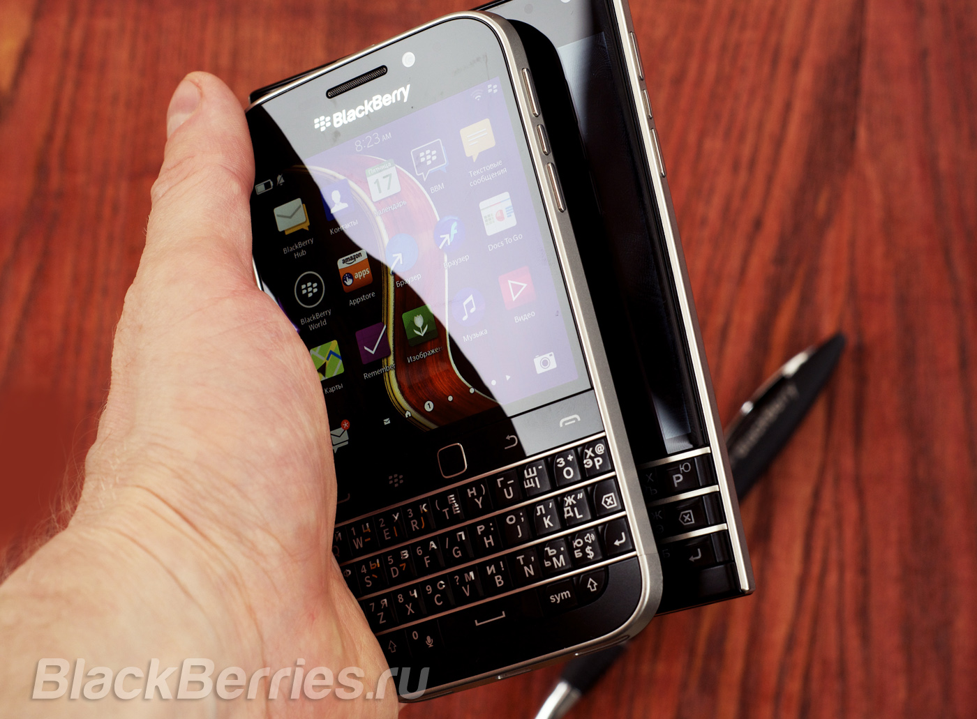 BlackBerry-Classic-Passport-7