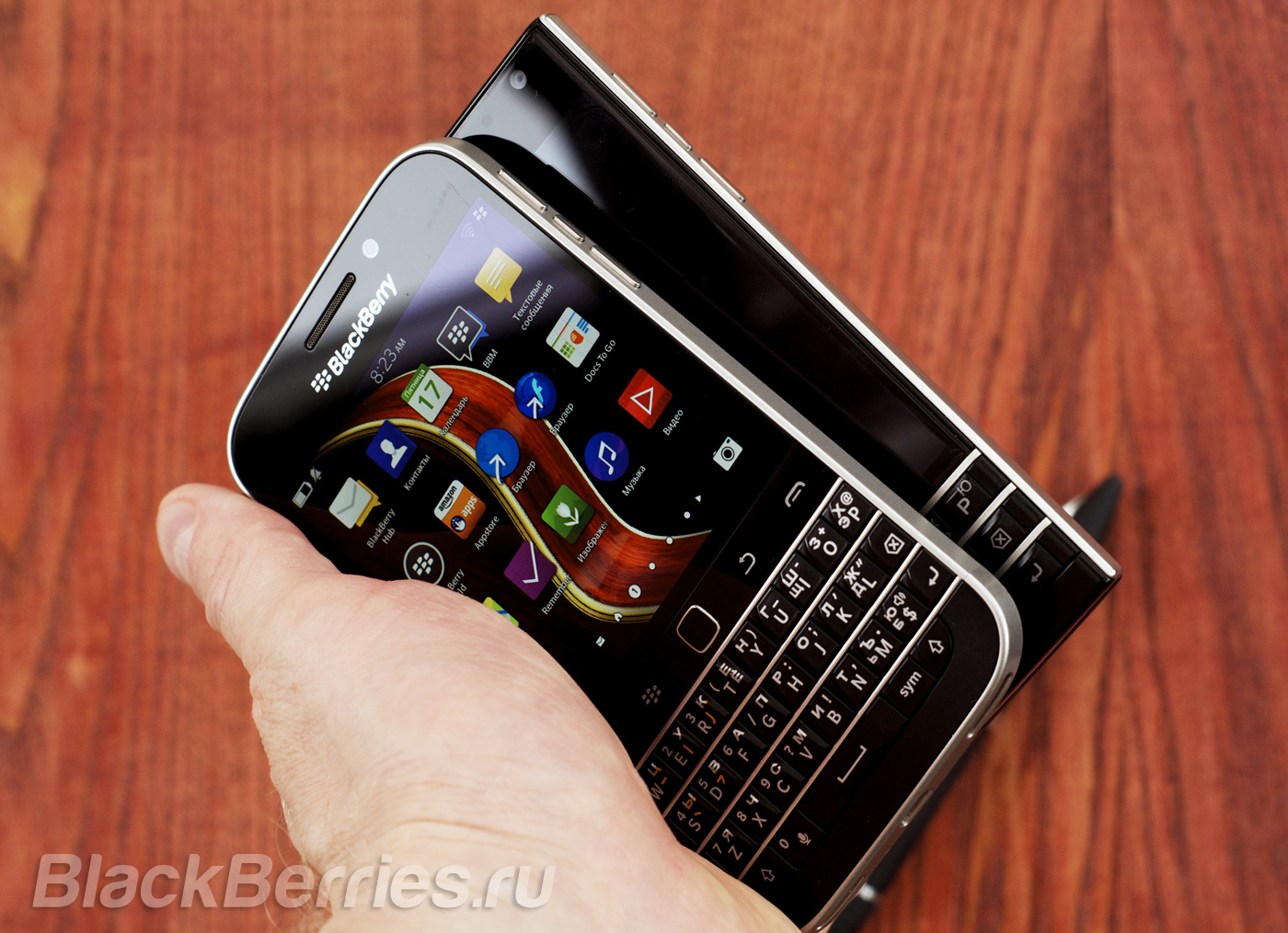 BlackBerry-Classic-Passport-8