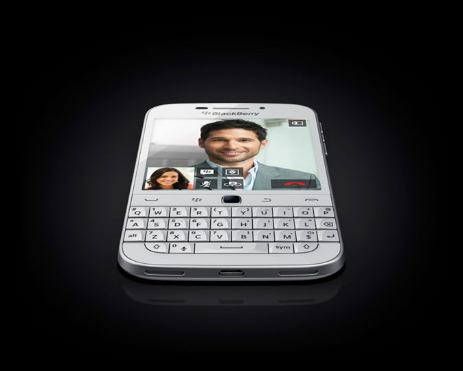 BlackBerry-Classic-White-1