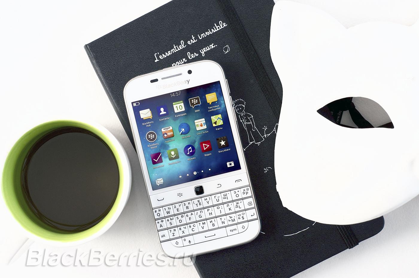 BlackBerry-Classic-White-03