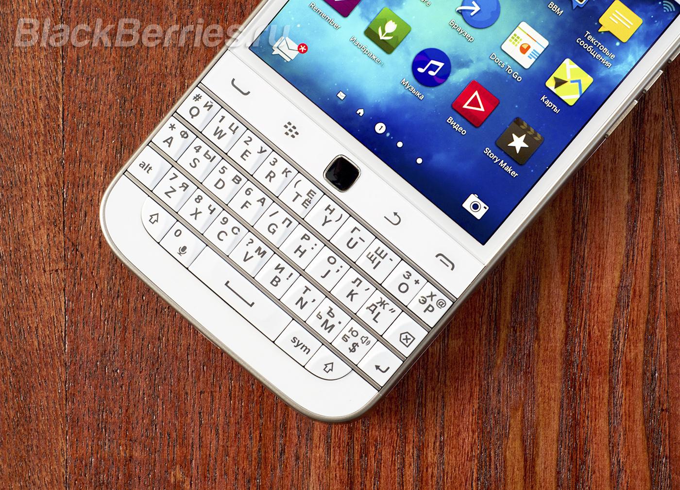 BlackBerry-Classic-White-19