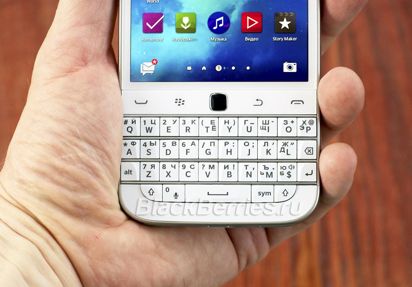 BlackBerry-Classic-White-20