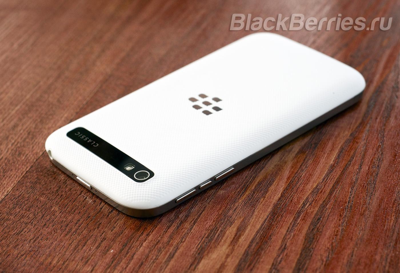 BlackBerry-Classic-White-23