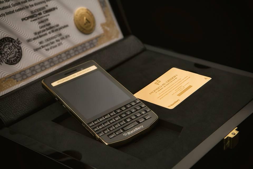 BlackBerry-P9983-Gold-10