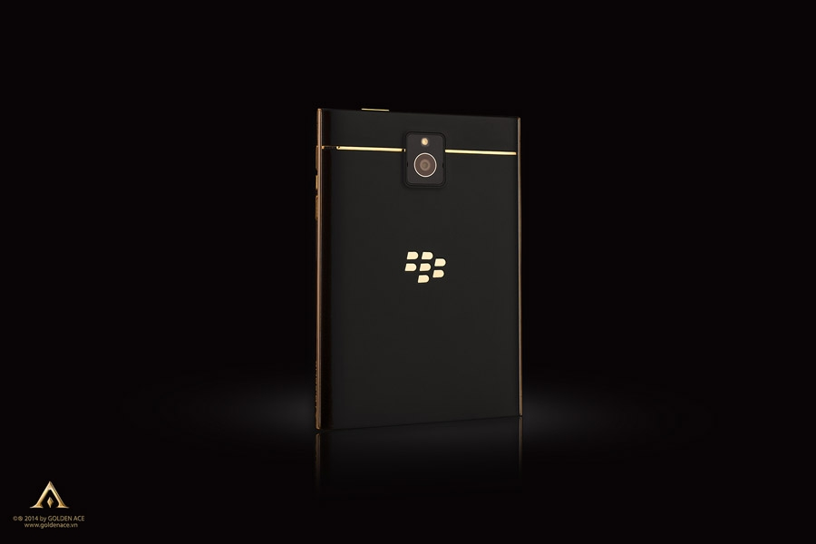 BlackBerry-Passport-Gold-11