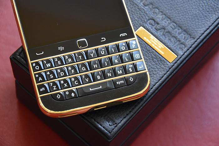 BlackBery-Classic-Gold-24K