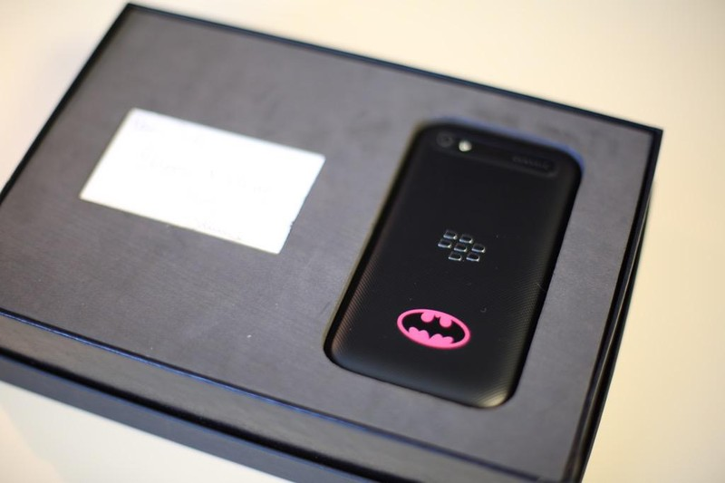 Batman-BlackBerry-Classic_0