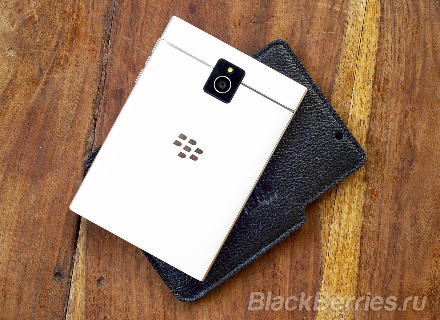 BlackBerry-Passport-Case-07