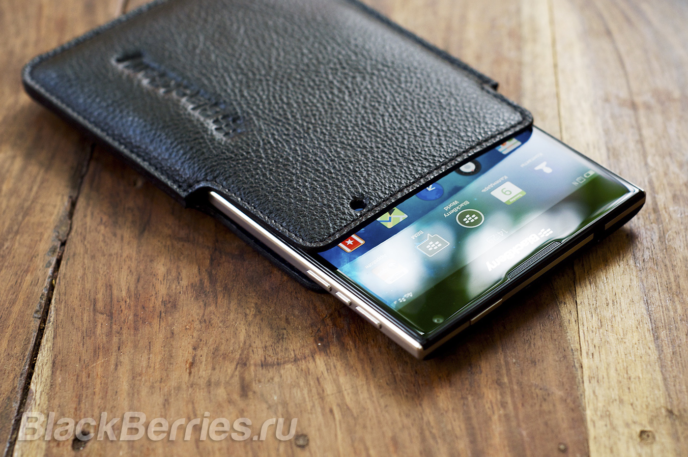 BlackBerry-Passport-Case-08