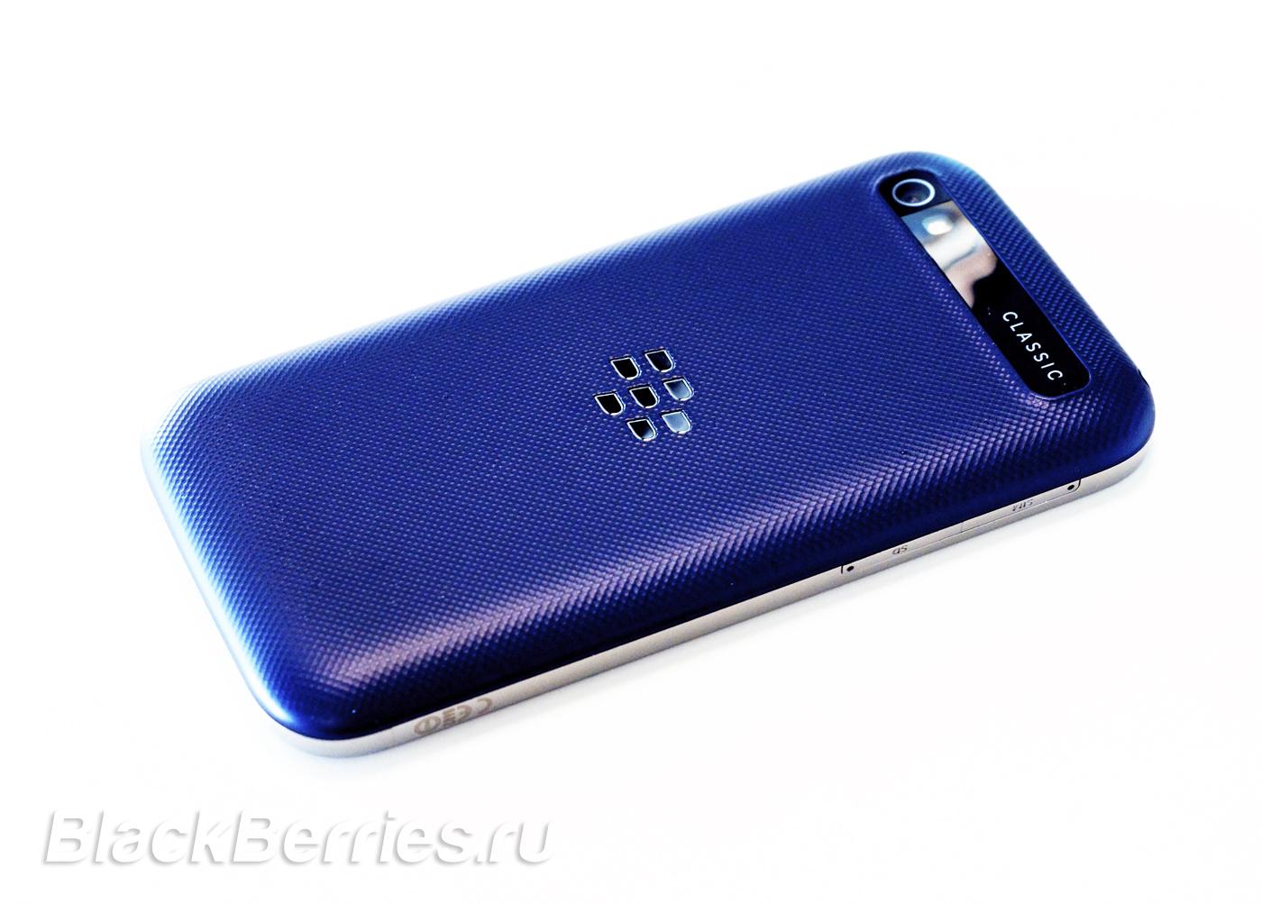 BlackBerry-Classic-Blue-3