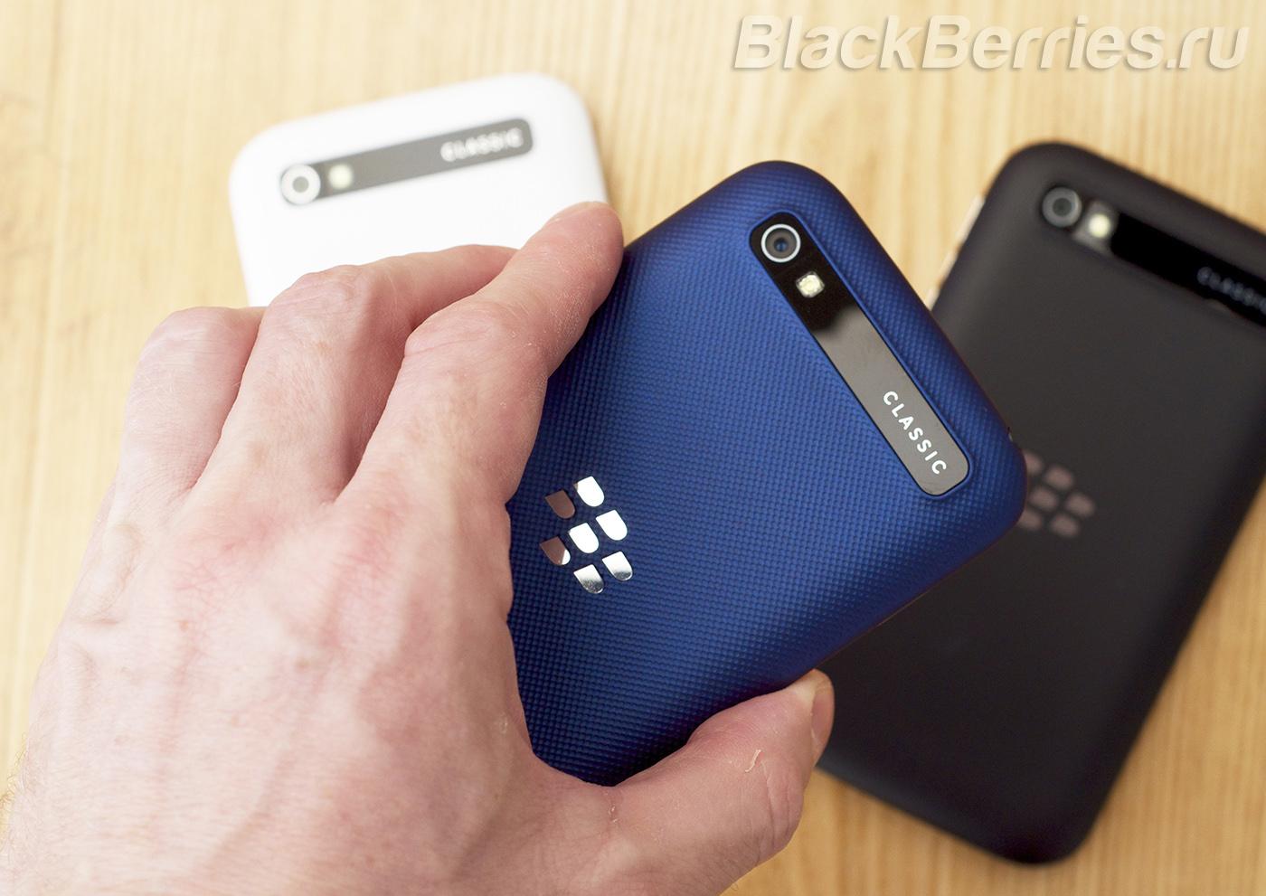 BlackBerry-Classic-Blue-Cobalt-04