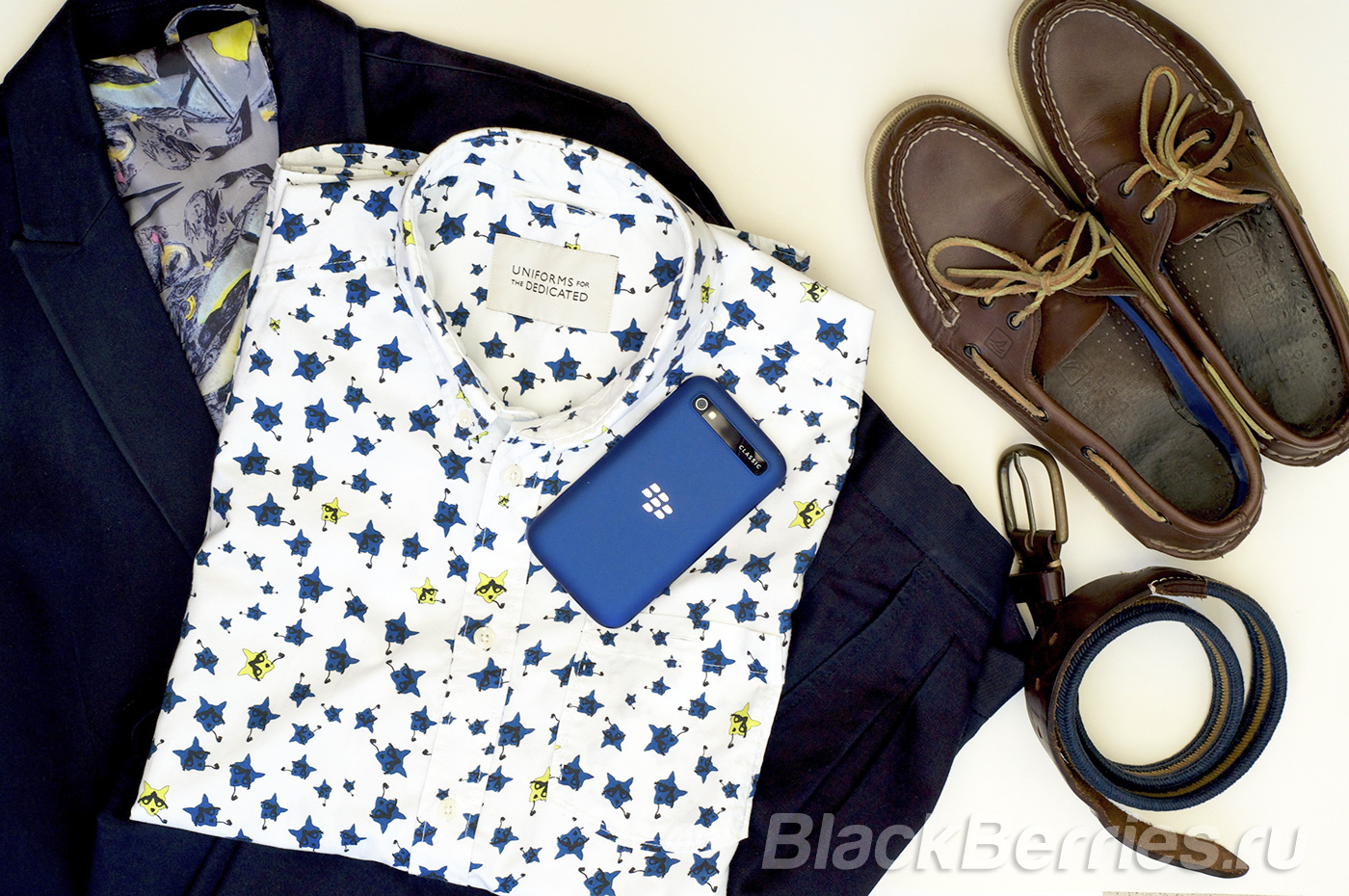 BlackBerry-Classic-Blue-Cobalt-19