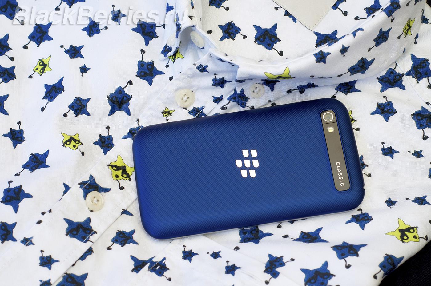 BlackBerry-Classic-Blue-Cobalt-23
