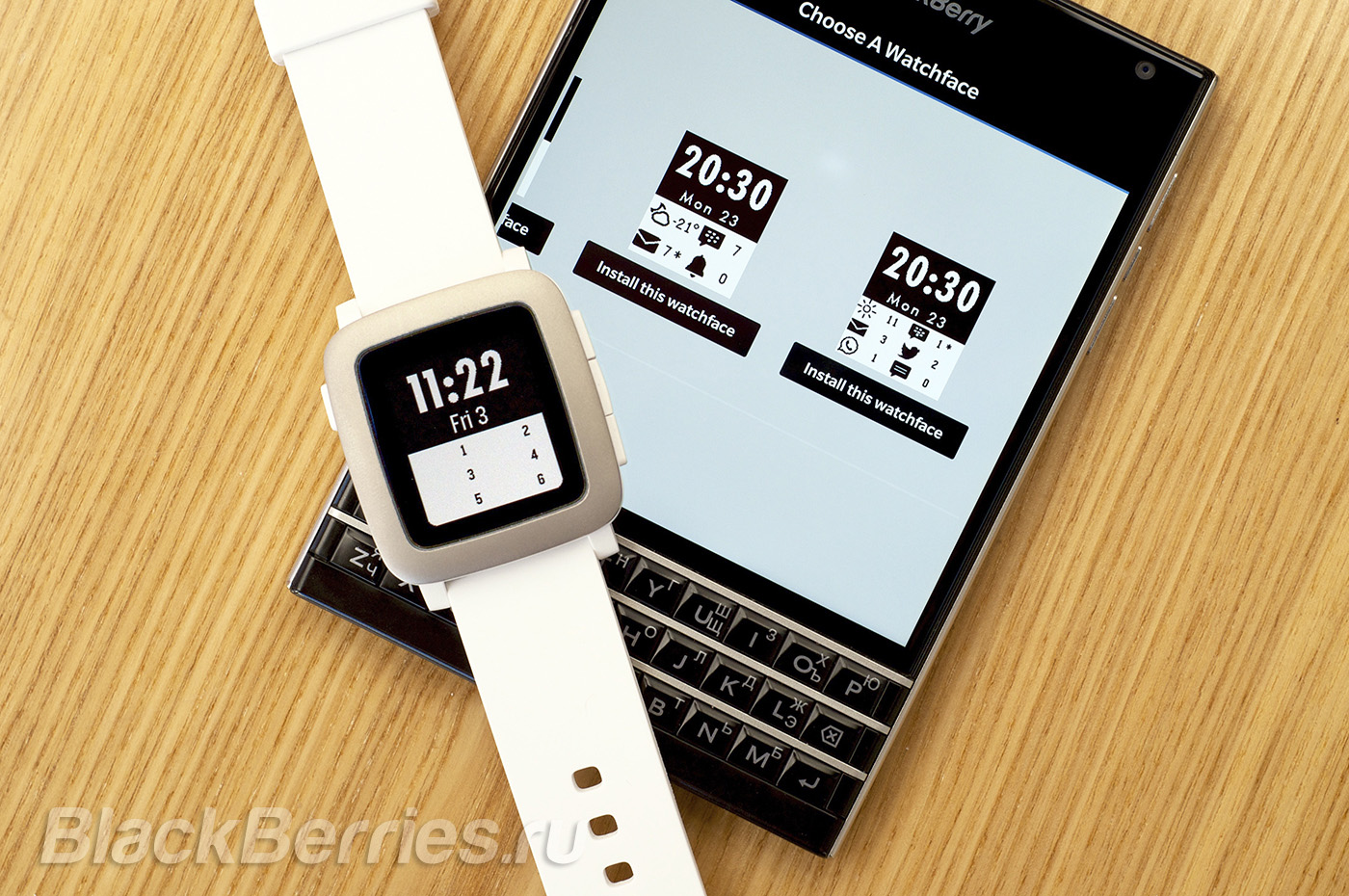 BlackBerry-Passport-Pebble-Time-52
