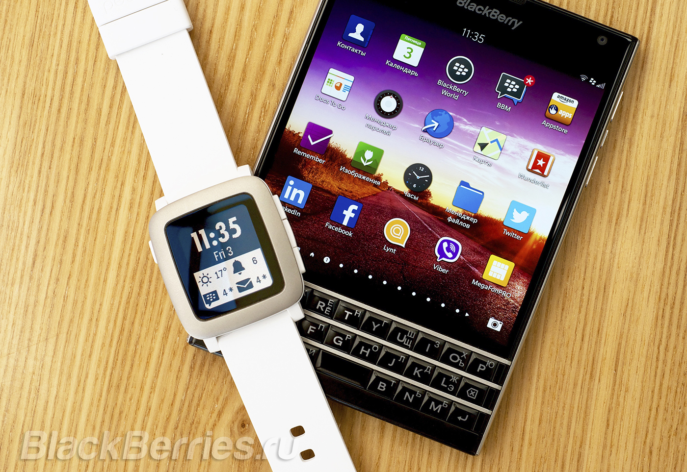 BlackBerry-Passport-Pebble-Time-55