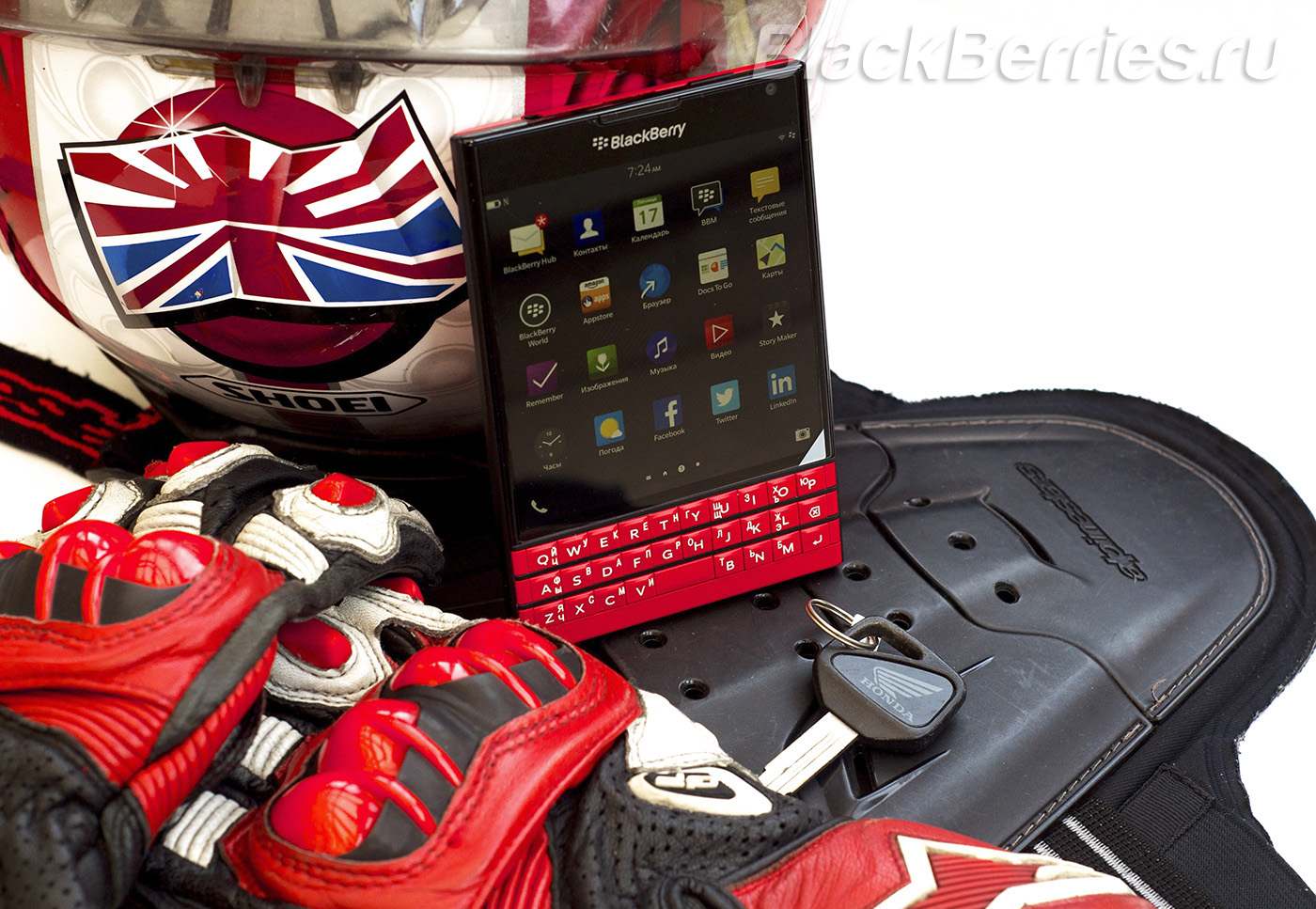 BlackBerry-Passport-Red-04