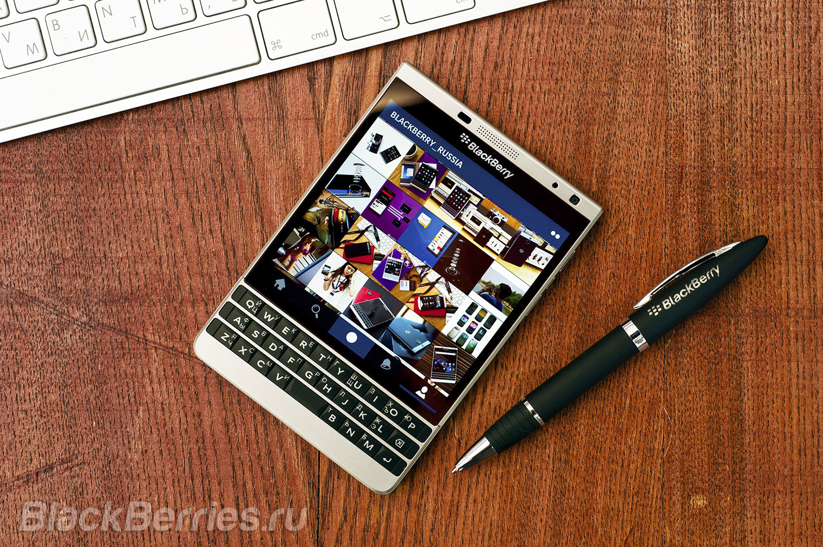 BlackBerry-Passport-Silver-Apps-15-1