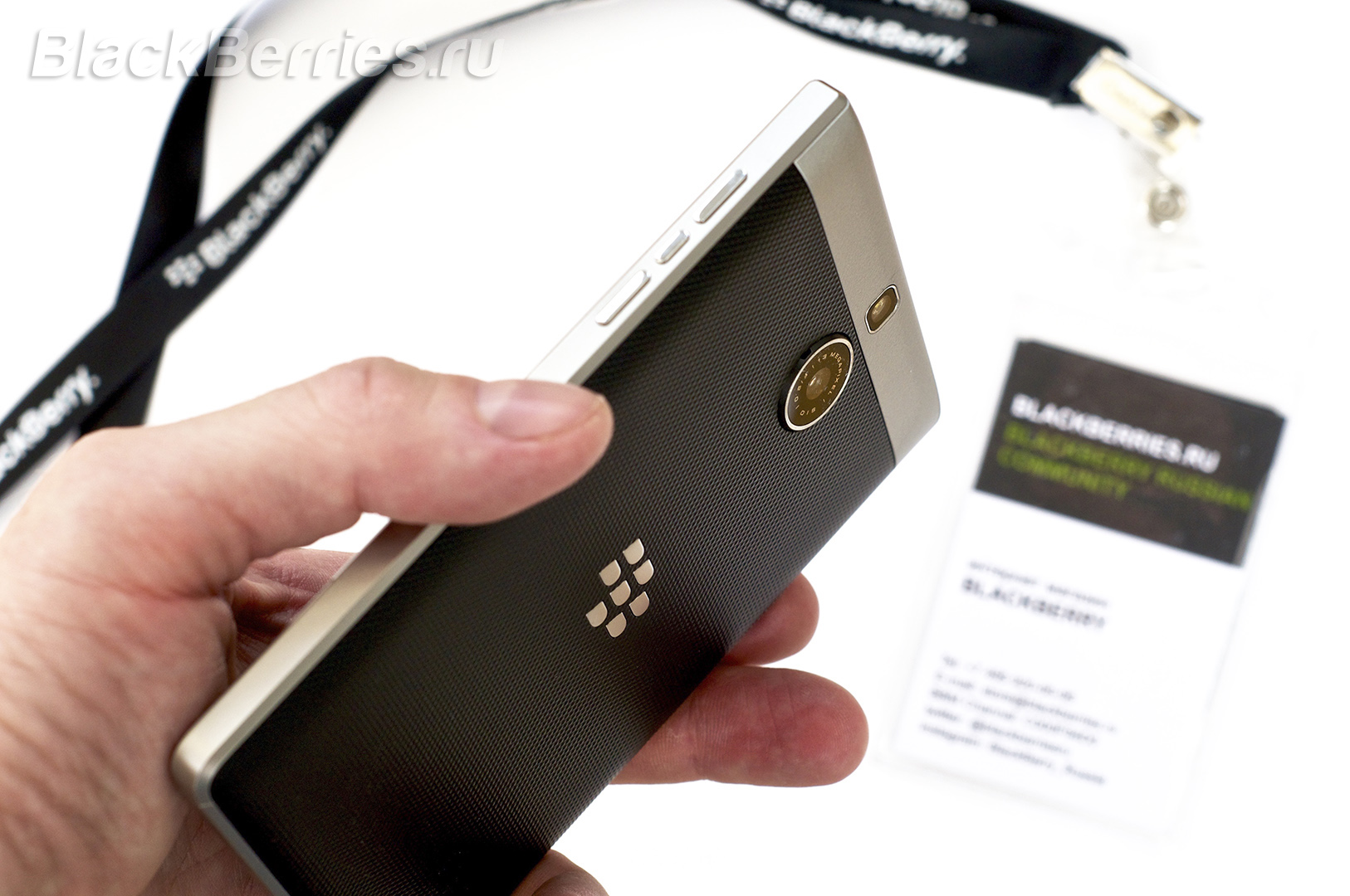 BlackBerry-Passport-Silver-Edition-Review-38