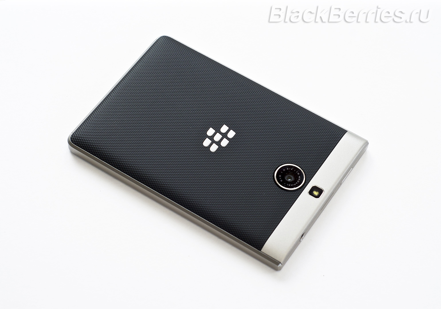 BlackBerry-Passport-Silver-Edition-Review-40