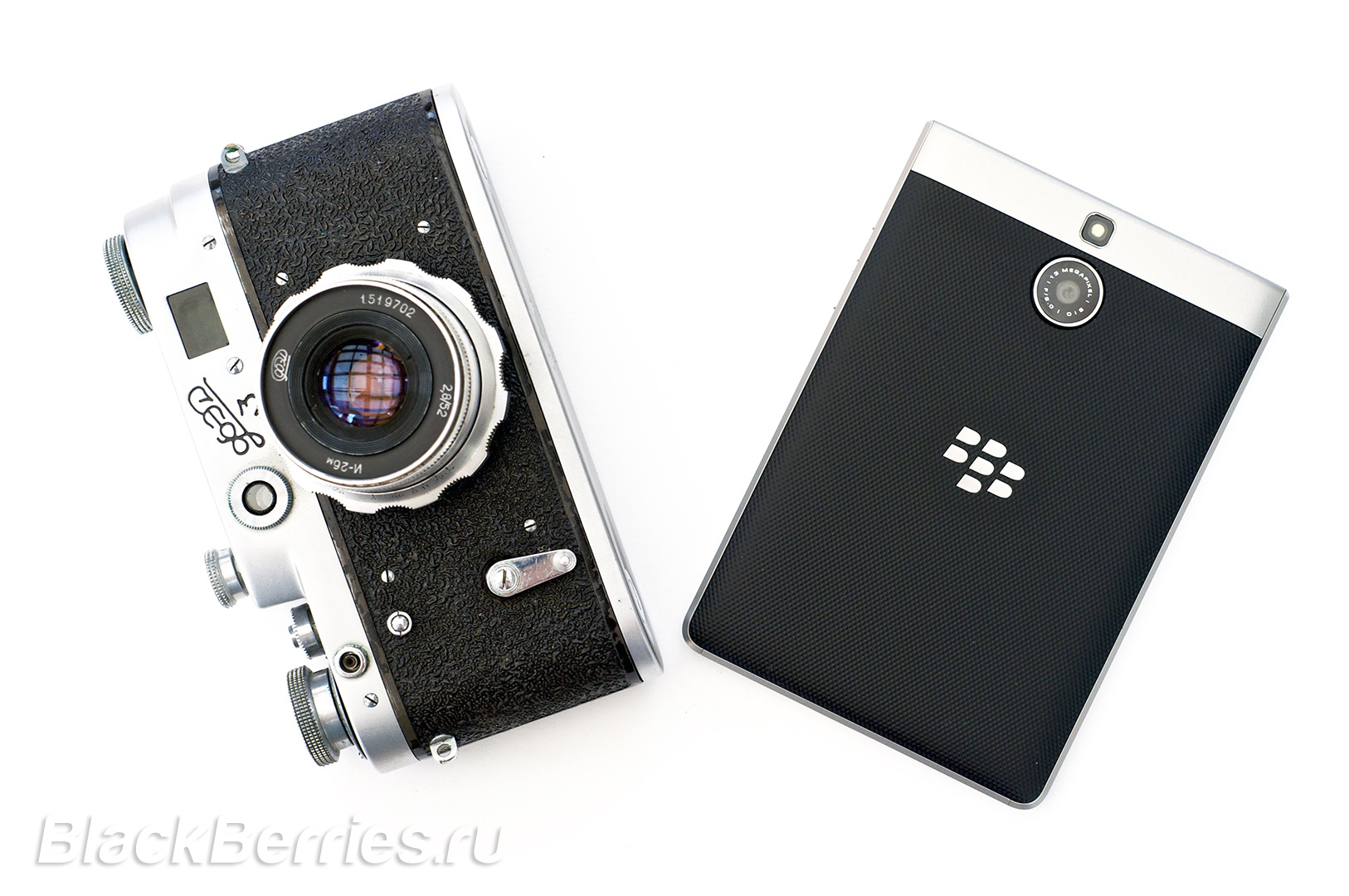 BlackBerry-Passport-Silver-Edition-Review-43