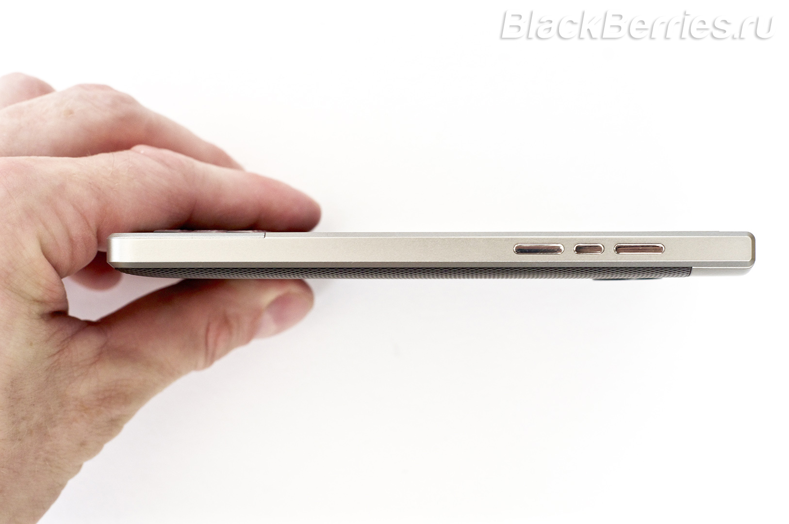 BlackBerry-Passport-Silver-Edition-Review-46
