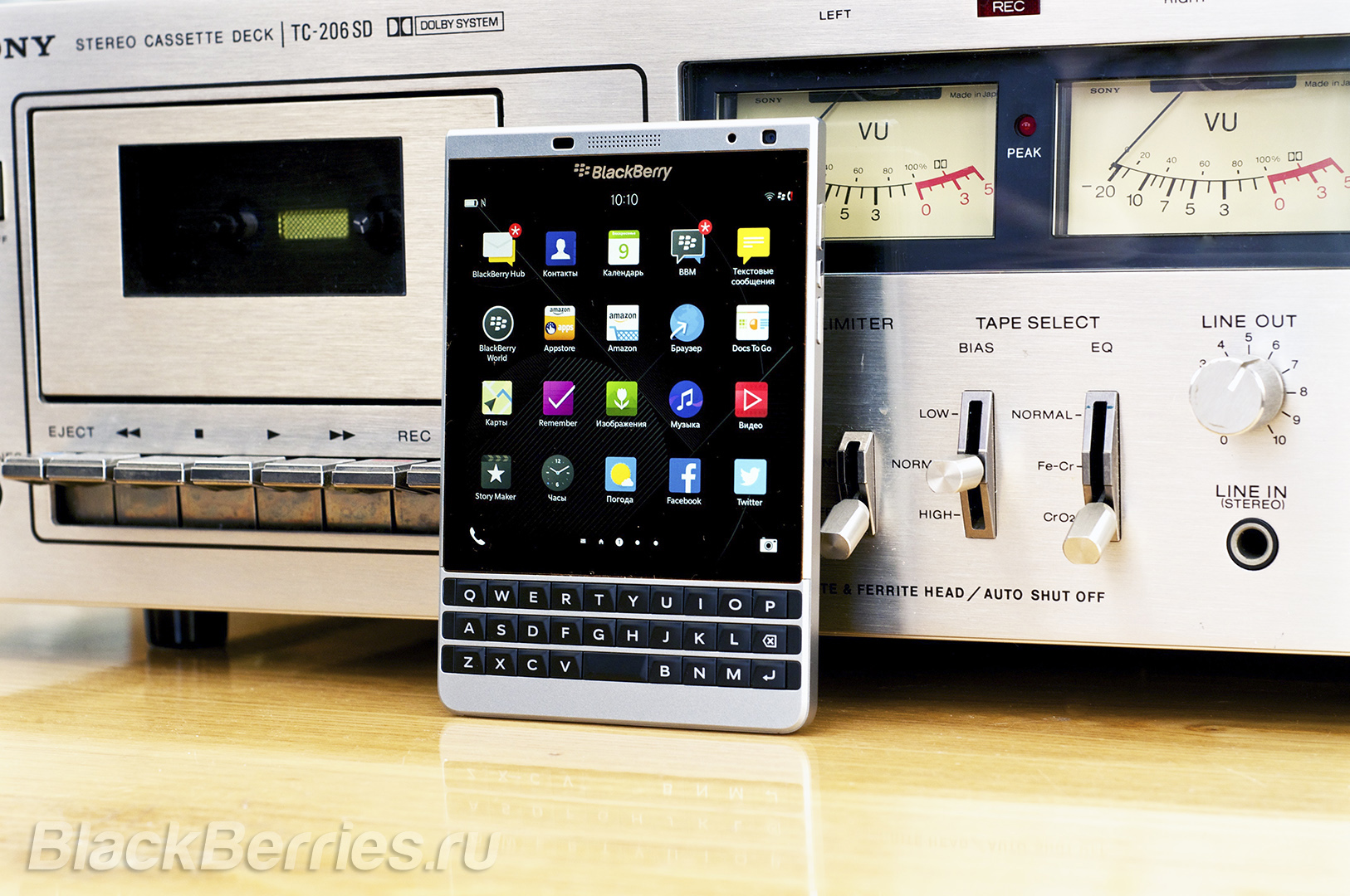 BlackBerry-Passport-Silver-Edition-Review-49