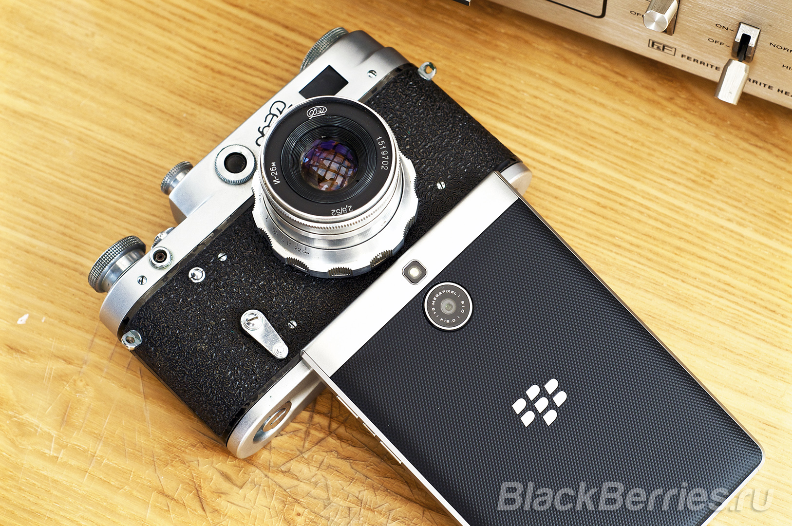 BlackBerry-Passport-Silver-Edition-Review-57