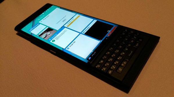 BlackBerry-Venice-Slider-11