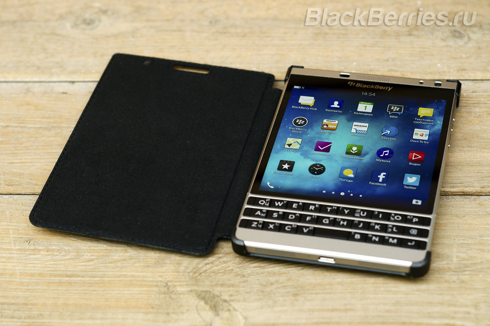 BlackBerry-Passport-Silver-Edition-Cases-12