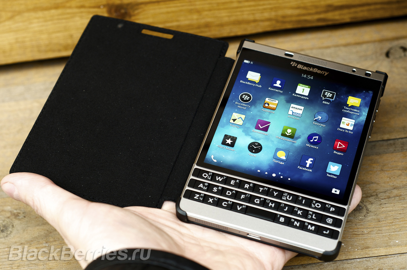 BlackBerry-Passport-Silver-Edition-Cases-13