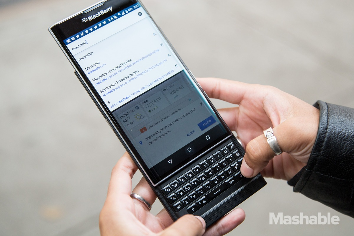 BlackBerry-Priv-Opened