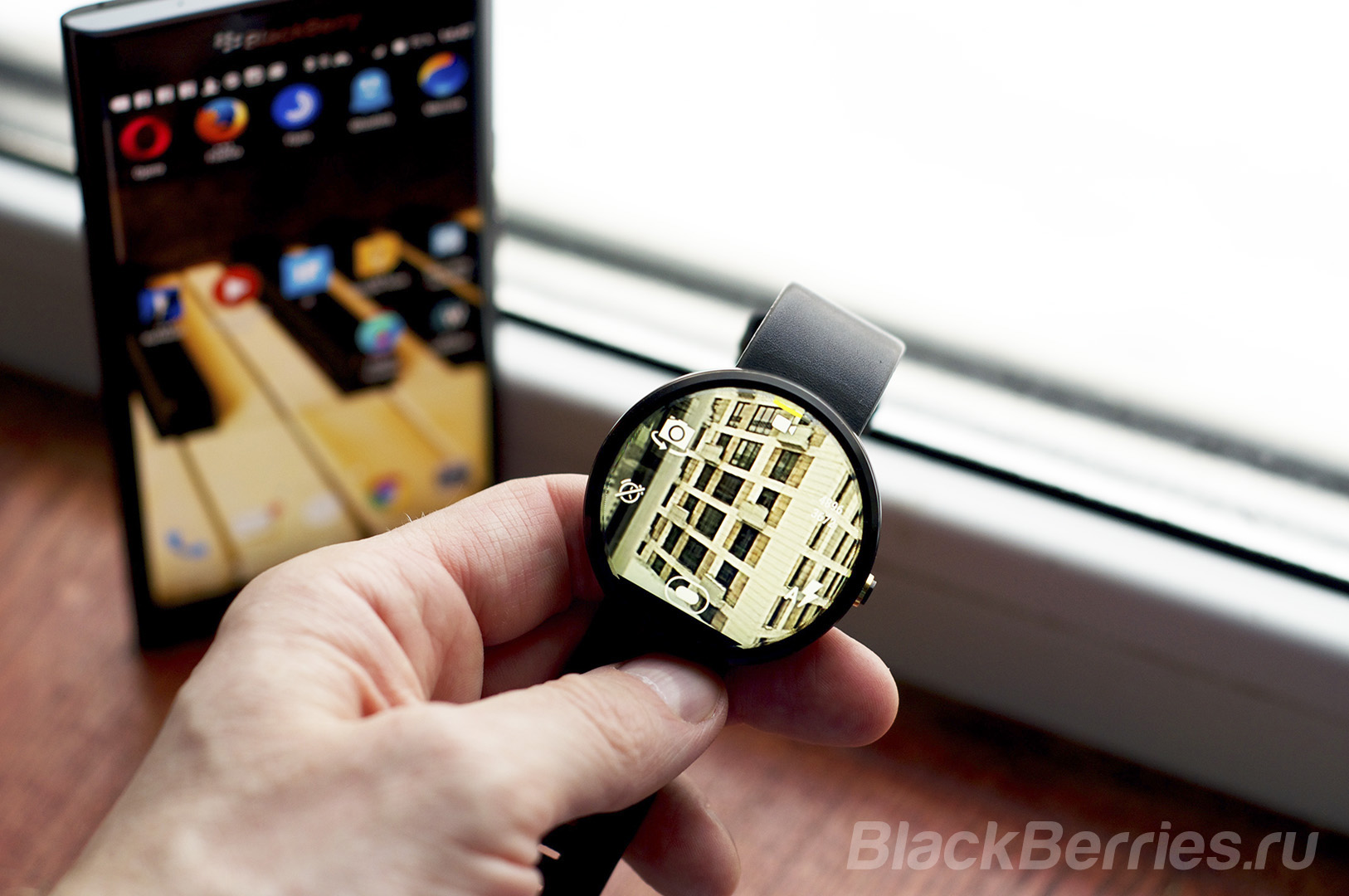 BlackBerry-Priv-Android-Wear-10