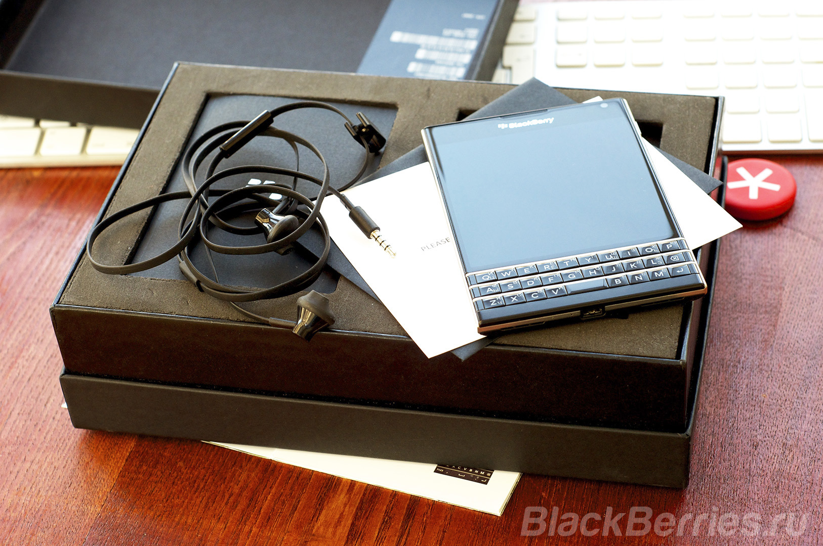 BlackBerry-Passport-Review-2016-48
