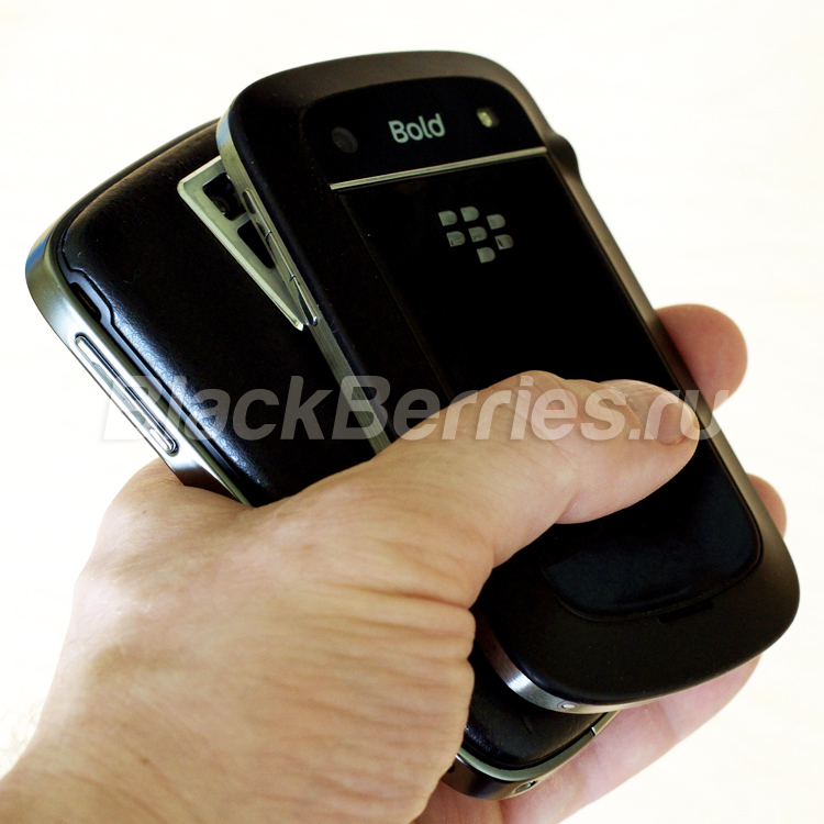 BlackBerry-9900-9000