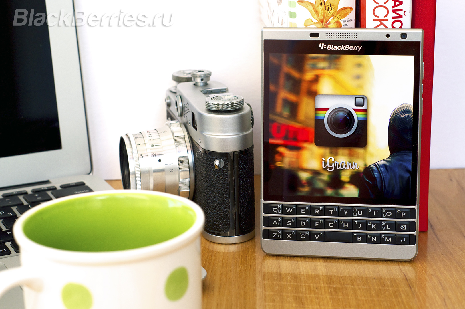 iGrann-BlackBerry-Passport-SE
