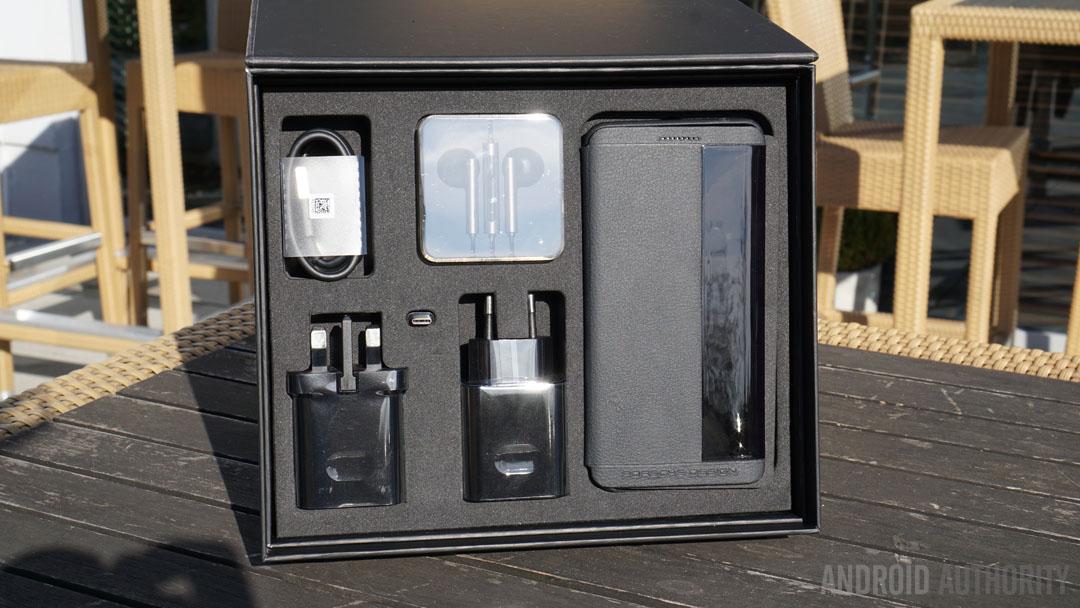 porsche-design-huawei-mate-9-accessories
