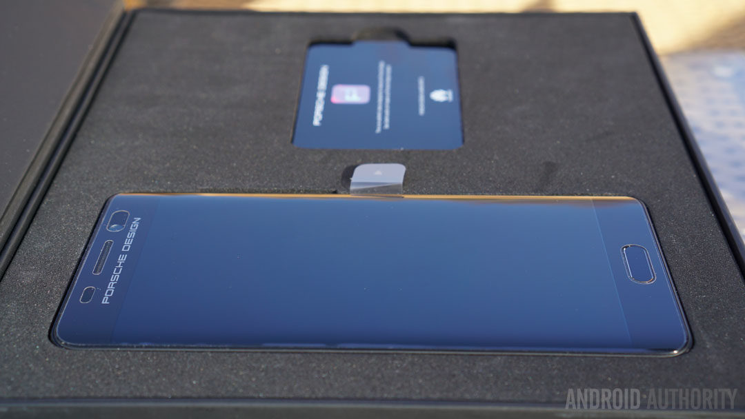 porsche-design-huawei-mate-9-box