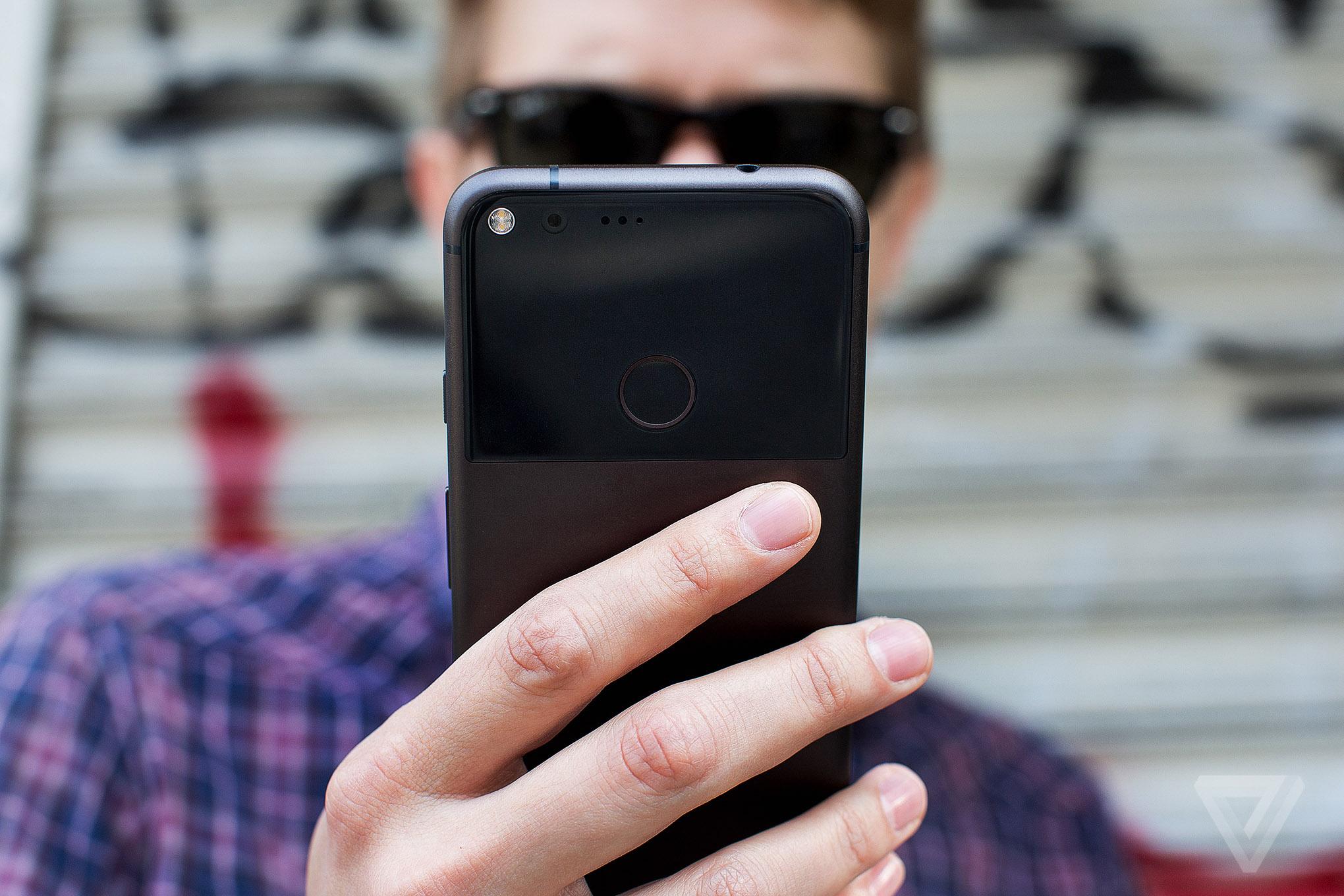 google-pixel-phone-7783-0