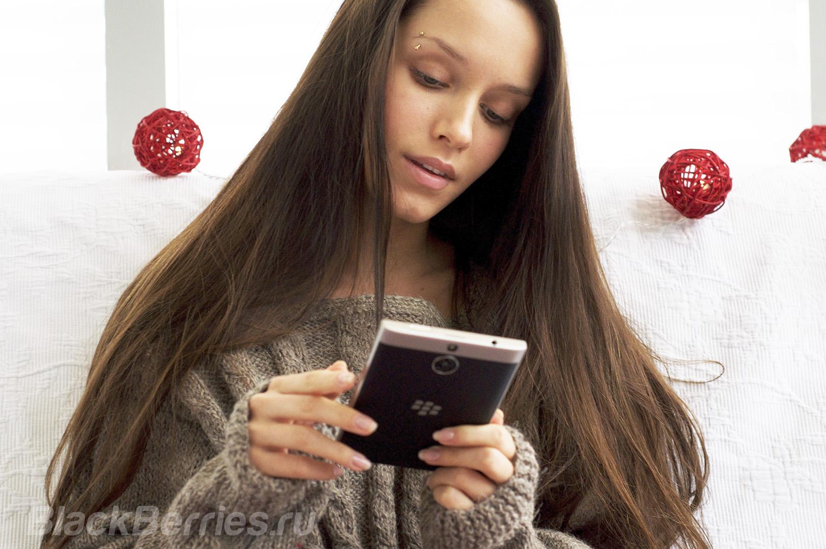 blackberry-passport-se-new-year-08
