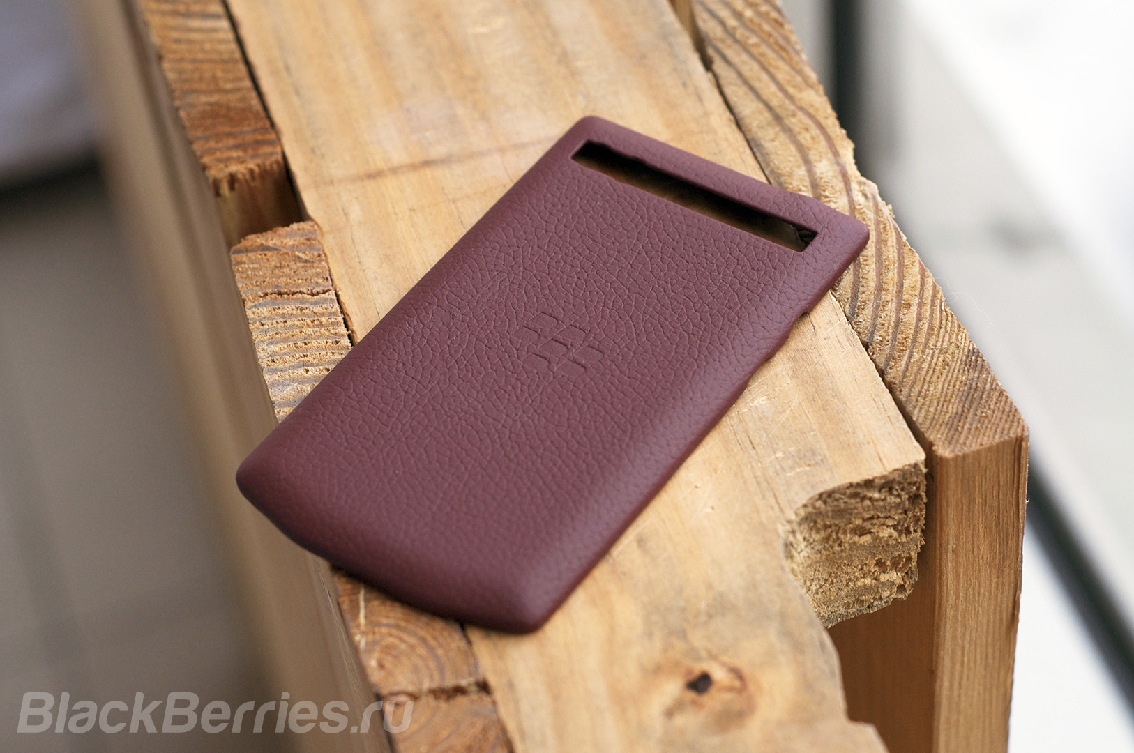 blackberry-porsche-design-case-covers-17