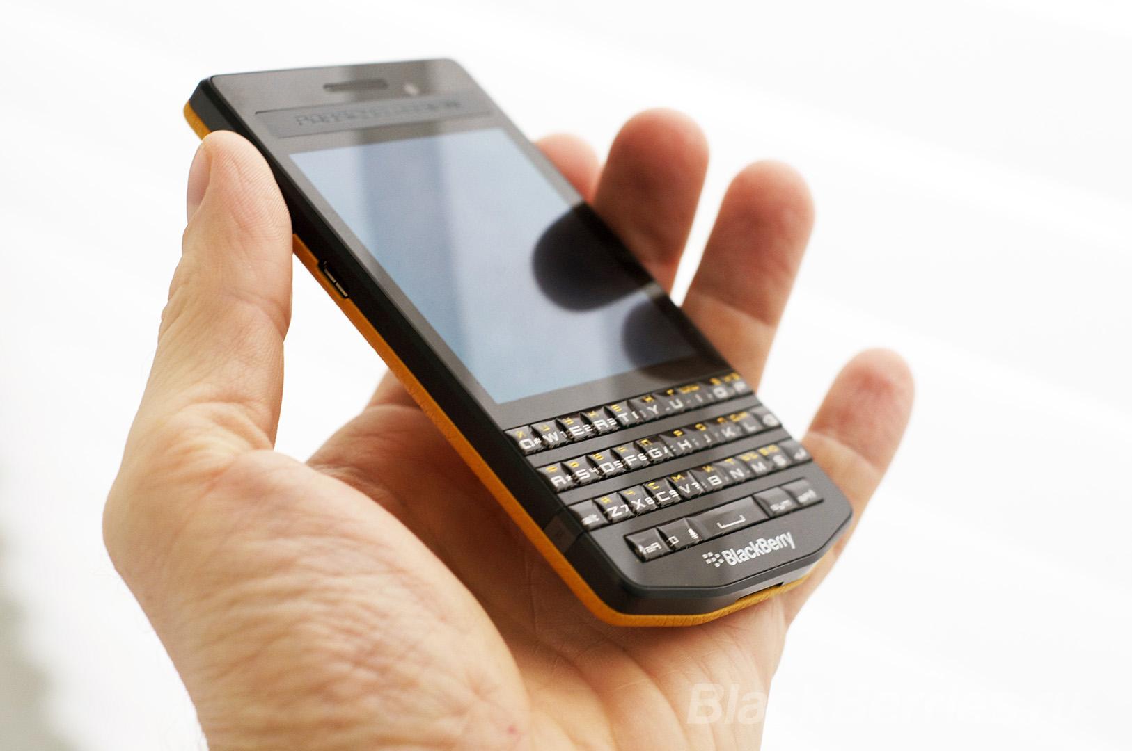 BlackBerry-P9983-Cover-03
